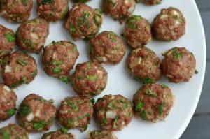 Spincah-Cilantro-Meatballs-grain-free-savorylotus.com_-1102x734